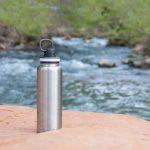 vattenflaska med tryck miljövänlig
